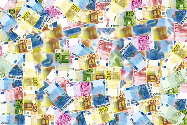 The Euro: one of the major currencies in the world behind the US Dollar